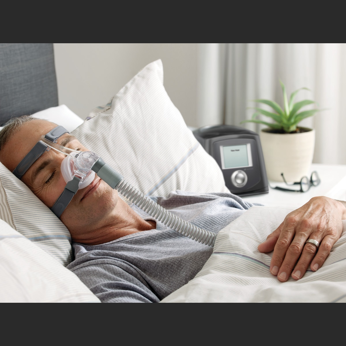ICON+ Auto CPAP with Built-In Humidifier - DISCONTINUED